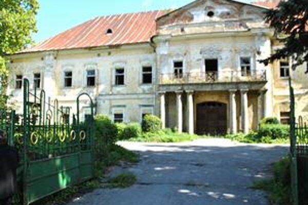 Kaštieľ v Snine. Samospráva získala peniaze na jeho rekonštrukciu z eurofondov.
