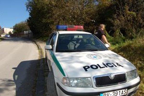 Nebezpečného recidistu-násilníka zadržala polícia v stredu v Rožňave.