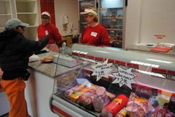 Predajne s poľským mäsom zaznamenali pokles zákazníkov. Predajcovia tvrdia, že obavy nie sú namieste.