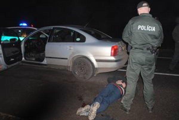 Vodiča polícia zastavila a spacifikovala až tesne pred Michalovcami.