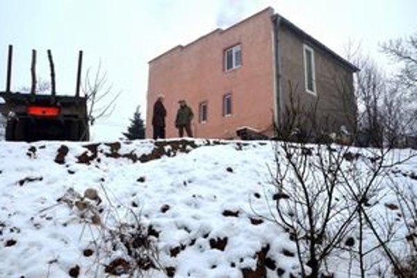 Ohrozený dom v obci Slivník.