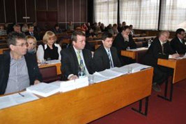 Poslanci Medzilaboriec. Odobrili úver mesta v celkovej hodnote 810-tisíc eur.