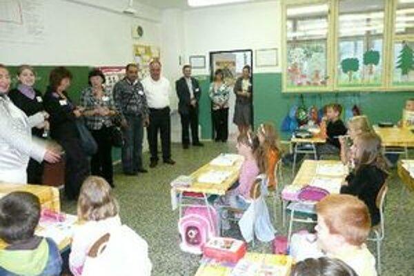 Zahraničná návšteva. Zástupcovia partnerských škôl na stretnutí vo Vinnom.