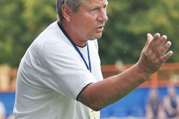 Tréner MFK Zemplín Vlastimil Petržela. Nepresvedčila ho dvojica hráčov Junior a Laurent.