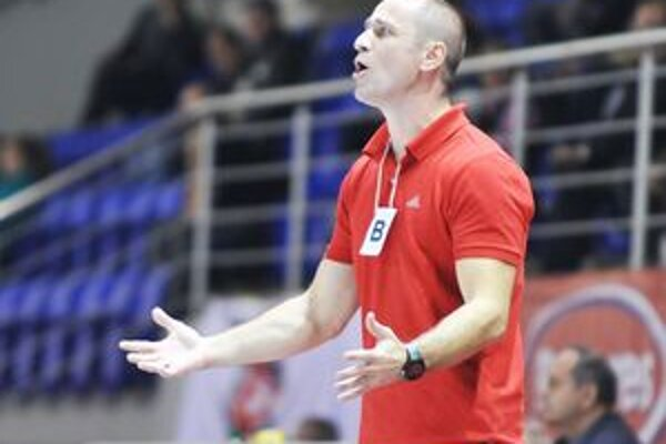 Tréner Duslo Šaľa Michal Lukačín. Na rodnej pôde opäť neuspel.