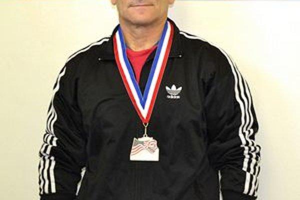 Ladislav Lechan. S medailou pre majstra sveta.