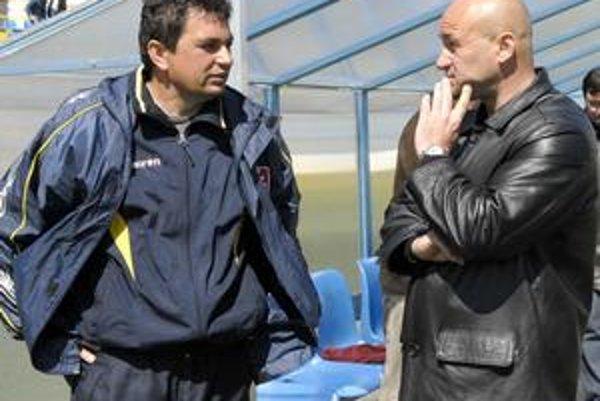 Dnes premiérovo proti sebe. Kedysi nerozlučná dvojica V. Rusnák ml. a J. Škrlík dnes premiérovo nastúpi proti sebe v úlohách hlavných trénerov.