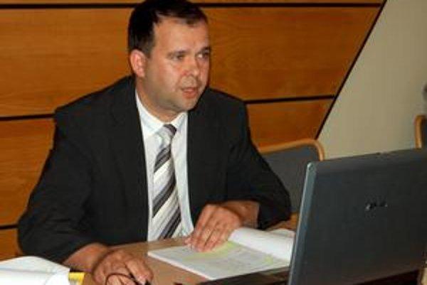 Primátor mesta. Peter Petrikán sa nebránil.