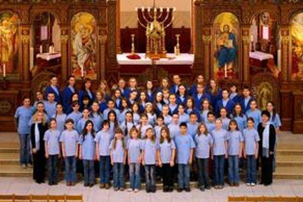 Detský spevácky zbor Pro Musicarozveseľuje milovníkov hudby po celom svete už desať rokov.