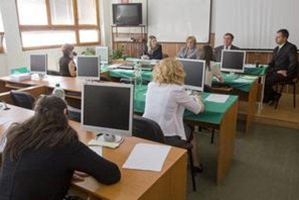 Bránami EU PHF pobočky v Michalovciach prešli za 15 rokov stovky študentov.