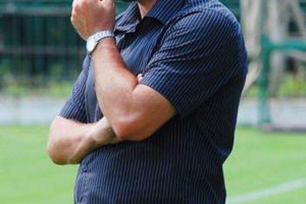 Jozef Škrlík. Dnes vranovský, v lete ešte humenský tréner.