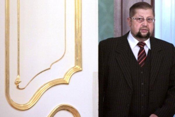 Sudca Sojka sa sťažoval prezidentovi Gašparovičovi na ministra Harabina. Potrestali ho za to.