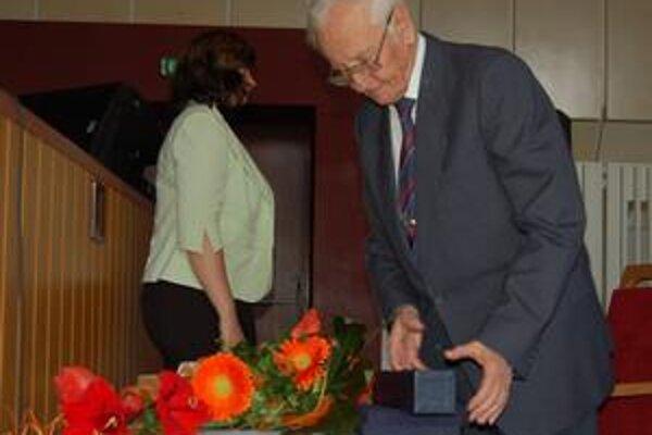 Osemdesiatročný Róbert Berenhaut získal cenu KSK za fotografické mapovanie východného Slovenska.