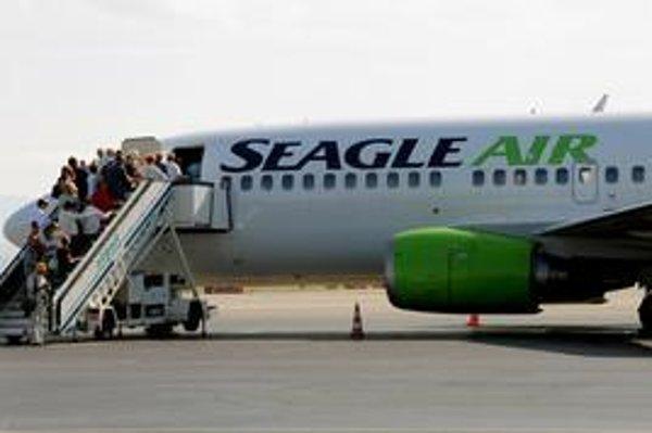 Tento rok Seagle Air prepravil do prímorských destinácií desiatky tisíc dovolenkárov. Vo viacerých prípadoch však čakali na letisku na odlet niekoľko hodín.