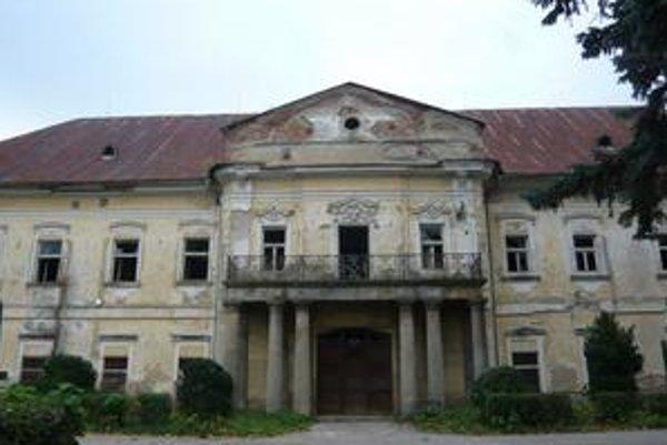Kaštieľ v Snine. Mesto dostane na jeho opravu 2,311 milióna eur.