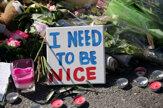 Francúzi spomínali na obete útoku v Nice