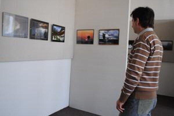 Bratia Feiglovci vystavujú v galérii MsKS v Michalovciach.