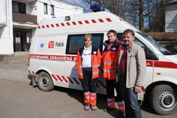 Ján Wiener, zástupca starostu Uliča (vpravo) si myslí, že obyvatelia Uličskej doliny si záchranárov zaslúžia.