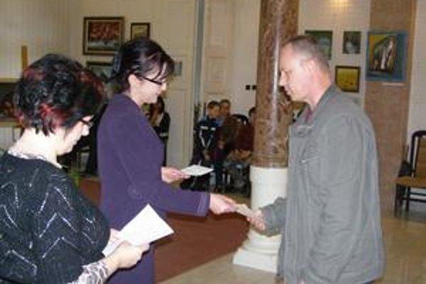 Ocenený Ján Čižmár je učiteľom v Základnej umeleckej škole v Michalovciach.