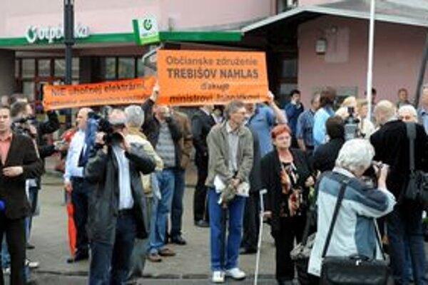 Aktivisti zo združenia Trebišov nahlas si vypočuli od premiéra sľub, že tepelná elektráreň sa v meste stavať nebude.