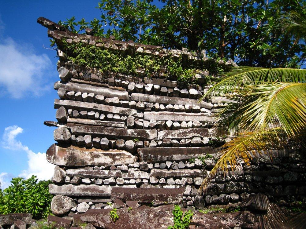 Trosky kamenného mesta Nan Madol, Mikronézia