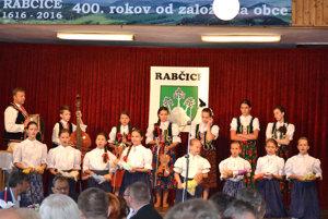 Detský folklórny súbor Kašunka.