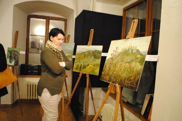Výstava neprofesionálnych výtvarníkov. Predstavuje dielka zo stretnutia vo voľnej prírode.