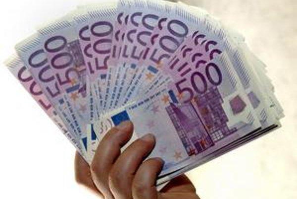 Najpesimistickejšie odhady hovoria o 4,3-miliardovom deficite. V korunách by to bolo viac než 130 miliárd.