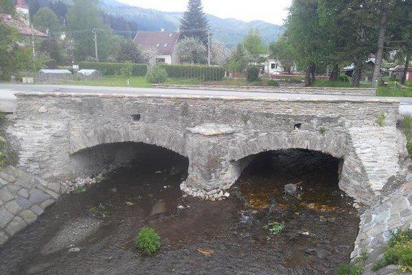 Historický most. Je jedným zo symbolov mestskej časti.