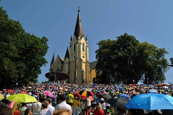 Každá púť v Levoči vyvrcholí slávnostnou odpustovou omšou na Mariánskej hore pod Bazilikou Navštívenia Panny Márie.