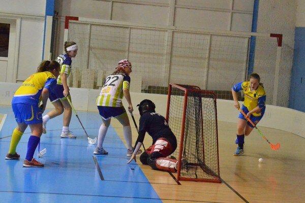 Dve víťazstvá. V Prešove a doma s Nemšovou dosiahli. Spišiačky plné bodové zisky, hoci boli lepšie len o jeden gól.