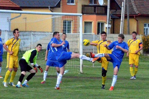 Stopercentná jar. Smižany ešte na jar neprehrali, ani neinkasovali gól. V nedeľu hrajú derby v Levoči.