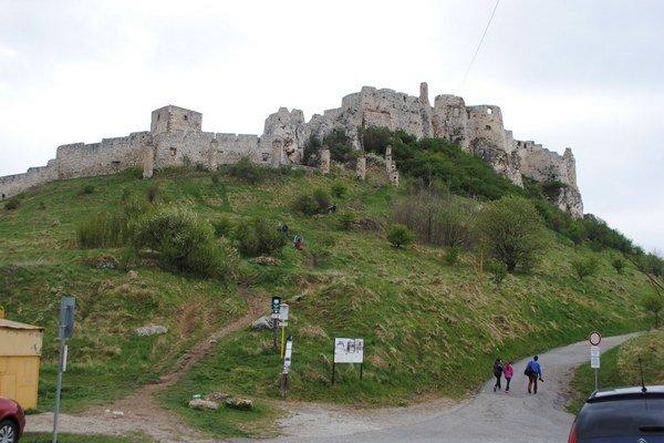 Spišský hrad. Bude v sobotu otvorený aj vo večerných a nočných hodinách.