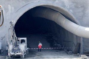 Tunel Šibenik. Pri jeho výstavbe zahynul jeden človek, príčiny tragédie sa vyšetrujú.