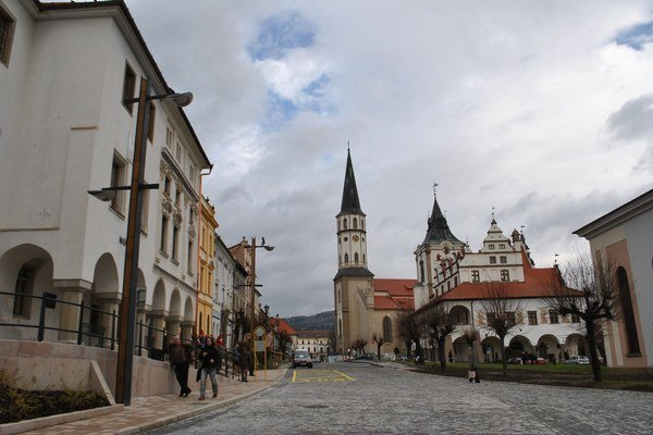 Tretina historického centra Levoče je obnovená.