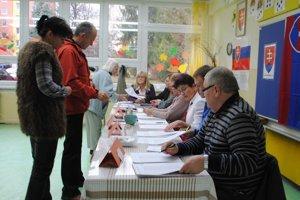 Voľby do VÚC nezaznamenali vysokú účasť.