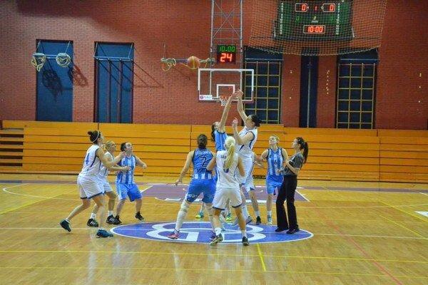 Bez basketbalu. Cez víkend sa zápasy spišskonovoveských basketbalistiek neuskutočnia.