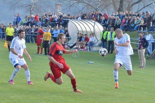 Druhé jarné víťazstvo. V dvoch jarných majstrákoch bodovali Novovešťania naplno. Pod Spišským hradom rozhodli gólom v posledných sekundách.