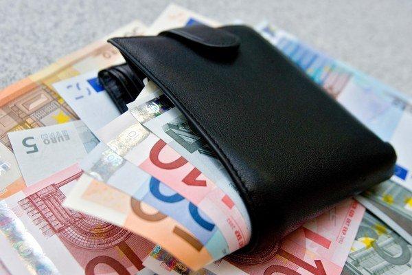 Ľuďom na Slovensku platy rástli