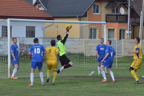 Dve veľké spišské derby. V nedeľu sa futbalová pozornosť upriami na súboje Smižian proti Harichovciam a Krompách so Sp. Podhradím.