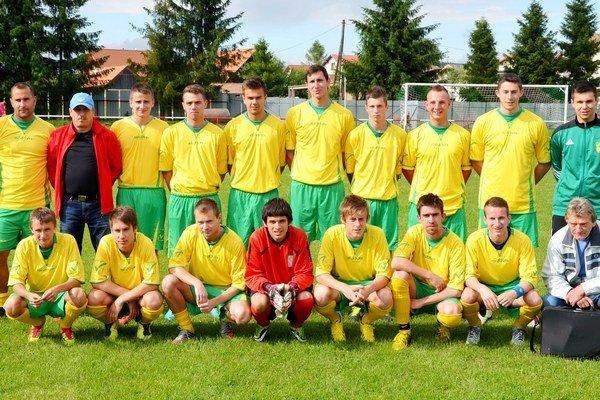 Zaslúžené prvenstvo pre Prakovce. S najširším kádrom a najlepšou obranou sa stali víťazmi 7. ligy futbalisti Prakoviec.