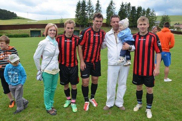 Prilákali ľudí na futbal. Novák – Stümpel – Ordzovenský ako futbalisti pritiahli na futbal do Iliašoviec stovky ľudí a celé rodiny.