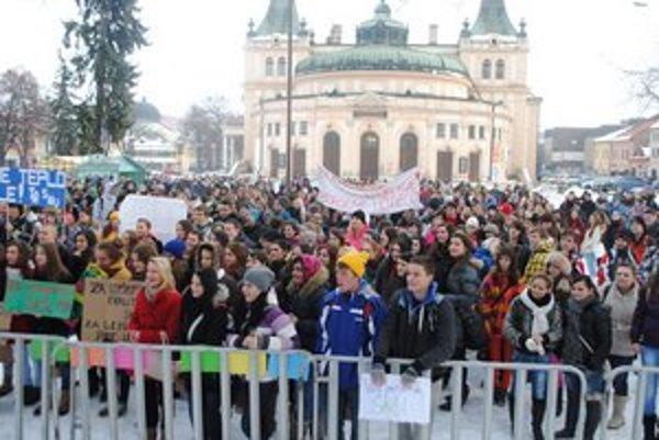 Stretnutie študentov. Protestovali za lepšie podmienky na školách.