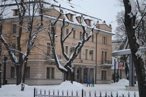 Mestský úrad. Levoči sa znížia príjmy z podielových daní o 200 000 eur oproti roku 2012.