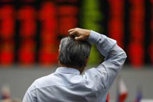 Začiatok druhého polroku bude pre investorov náročný. Index Dow Jones prelomil predchádzajúce technické dno a ďalej sa oslabuje.