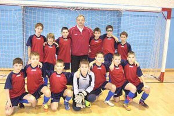 Rozhodol jeden gól. Na víťazstvo mladých futbalistov z Maďarska (na snímke) vo finále nad Spišiakmi stačil jeden gól.