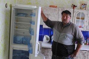 Ivan Kačúr. Prišiel o chladničku, televízor a satelit.