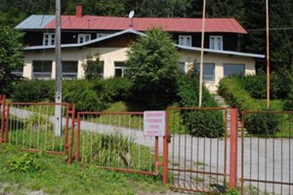 Vstup zakázaný. Turzov je už v súkromných rukách, ľudia by sa tu preto nemali voľne pohybovať.