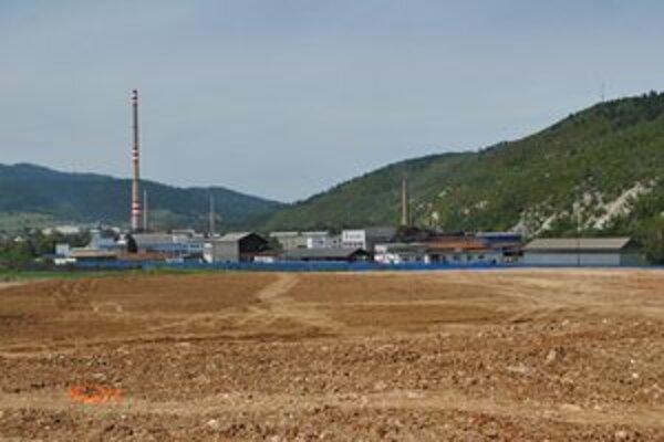 Halňa. V jej susedstve je priemyselná zóna. V budúcnosti ju mesto plánuje rozšíriť.