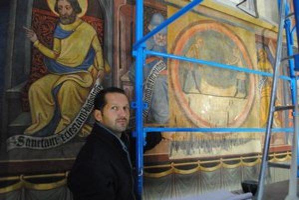 Objavená freska. Takto vyzerá už takmer zreštaurovaná objavená freska, ktorá bola dlhé roky premaľovaná. Na snímke Rastislav Ferenc.